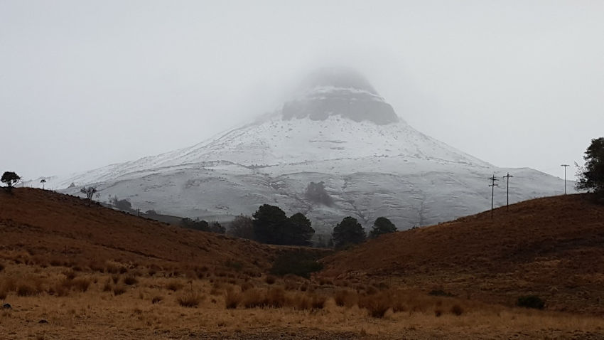Snow on Inhlosane